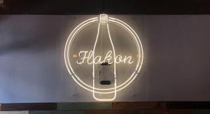 Restaurant neon sign